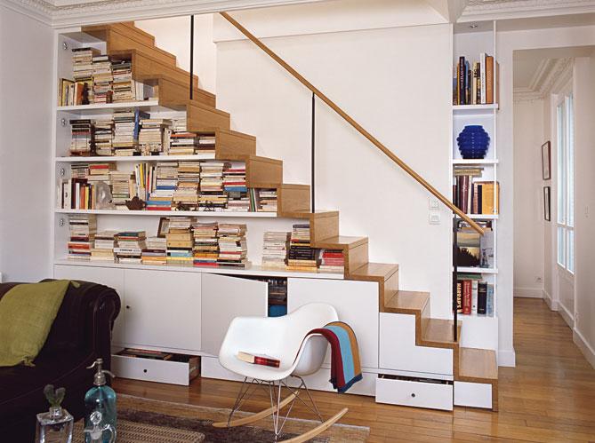 rangement sous escalier gagner en espace de rangement. Black Bedroom Furniture Sets. Home Design Ideas