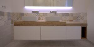 double vasque sur plan en bois
