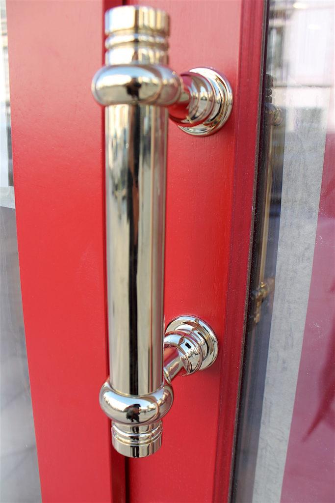détail de la poignée de porte