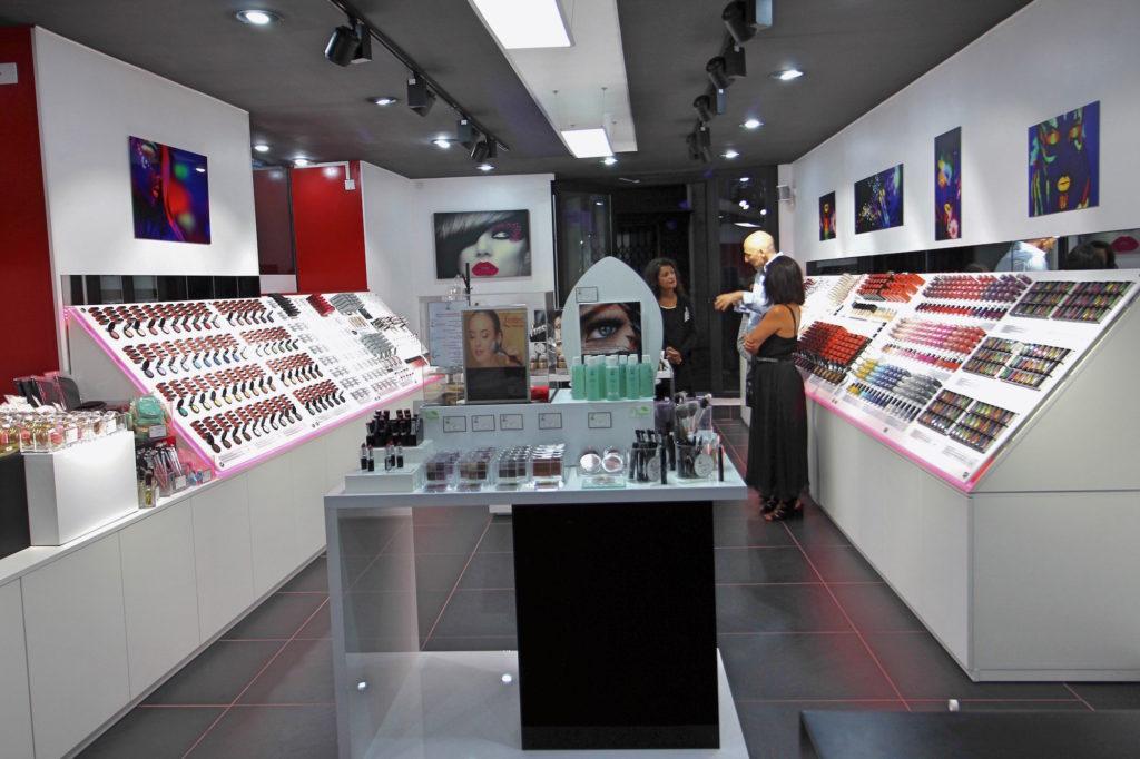 agencement commerce cosmétique