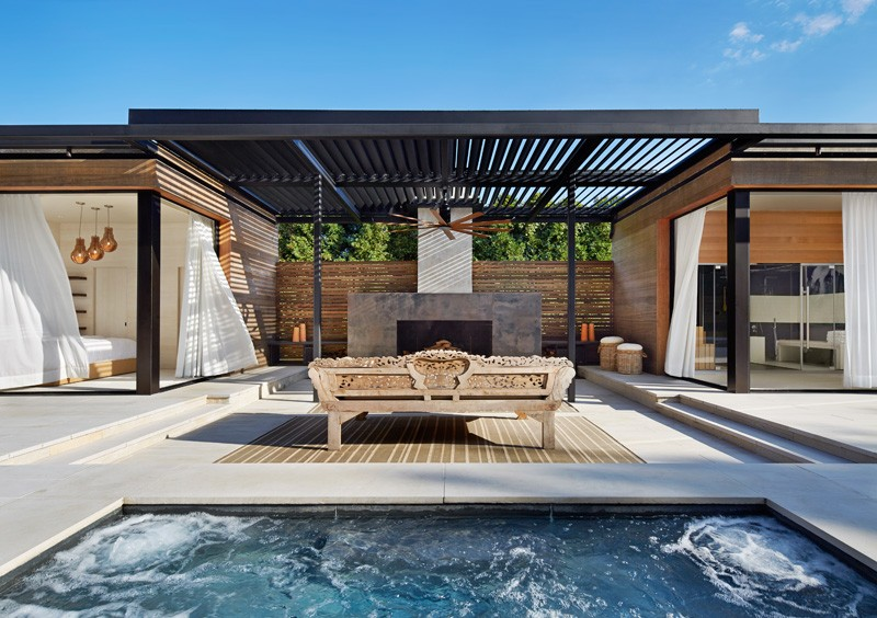 pool house avec jacuzzi