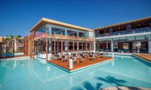piscine avec terrasse